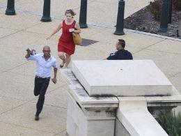 Washington hỗn loạn sau nổ súng bên ngoài Nhà Trắng