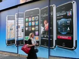 Apple và Samsung vẫn giữ vững ngôi thống trị tại Mỹ