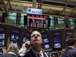 Tiền rút khỏi quỹ đầu tư cổ phiếu toàn cầu tuần thứ hai
