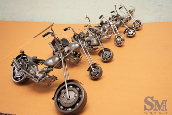 Nghệ thuật xe mô hình từ sắt phế liệu