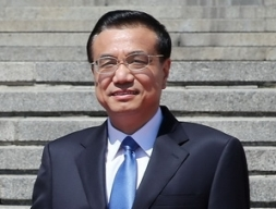 Thủ tướng Trung Quốc đi mua hàng tại Hà Nội