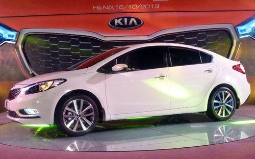 Kia K3 và Mazda cùng hạ giá