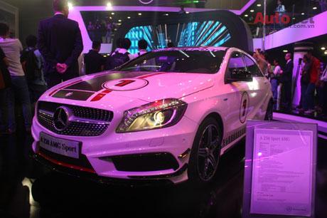 Mercedes-Benz giới thiệu 10 mẫu xe tại VMS 2013