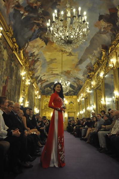 Áo dài Việt Nam giữa kinh đô thời trang Milan