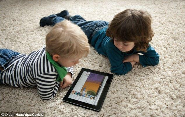 5 dấu hiệu trẻ nghiện iPad và cách điều trị