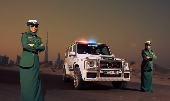Cảnh sát Dubai chơi sang với loạt xe đắt tiền mới