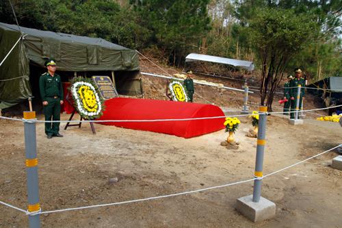 Bảo vệ khu mộ Đại tướng trong bão Haiyan