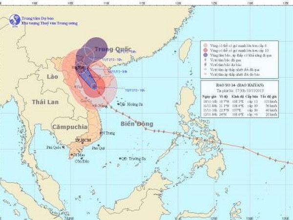 Bão Haiyan cách bờ biển Thanh Hóa-Quảng Ninh 270-330km