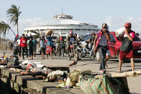 Philippines: Bóng ma chết chóc, cướp bóc bao trùm thành phố Tacloban