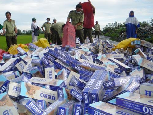 Thất thu NSNN 4000 tỷ đồng mỗi năm do thuốc lá thẩm lậu qua biên giới