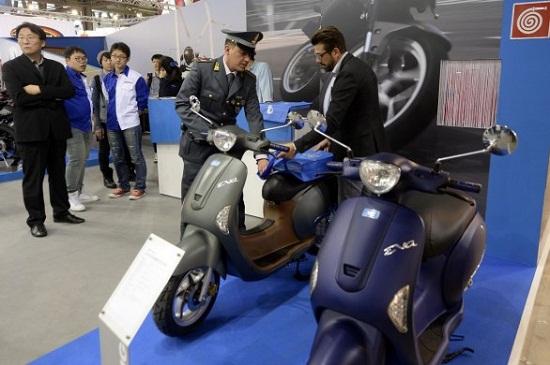 Xe Trung Quốc 'nhái' Vespa, Honda PCX ngay tại Triển lãm môtô Ý