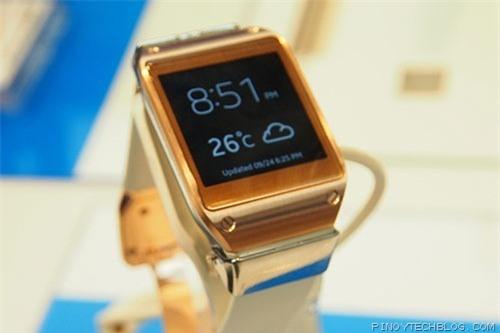 Bị chê thậm tệ, đồng hồ Samsung Galaxy Gear vẫn bán chạy