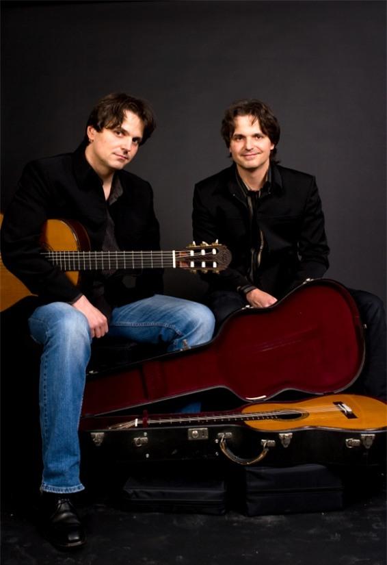 Song sinh guitar mở màn LH Âm nhạc châu Âu