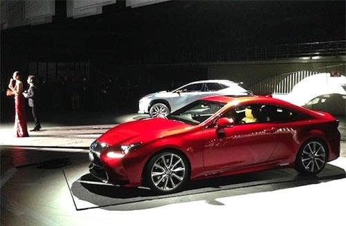 Lexus ra mắt mẫu xe 2 cửa ngay trước Triển lãm ôtô Tokyo 2013