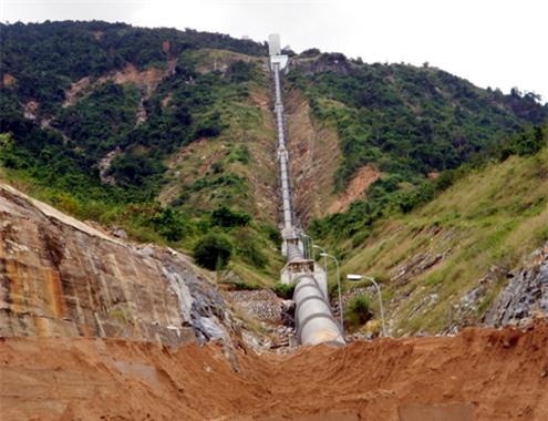 Thủy điện An Khê-Kanat bị đất cát vùi lấp sau lũ