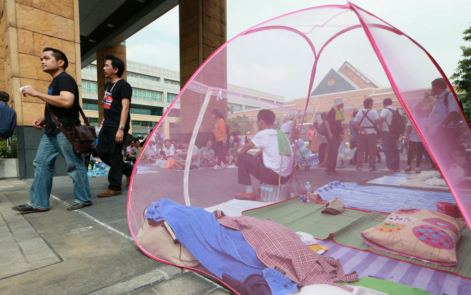 Hỗn loạn chính trị kéo tụt tăng trưởng Thái Lan xuống dưới 3%