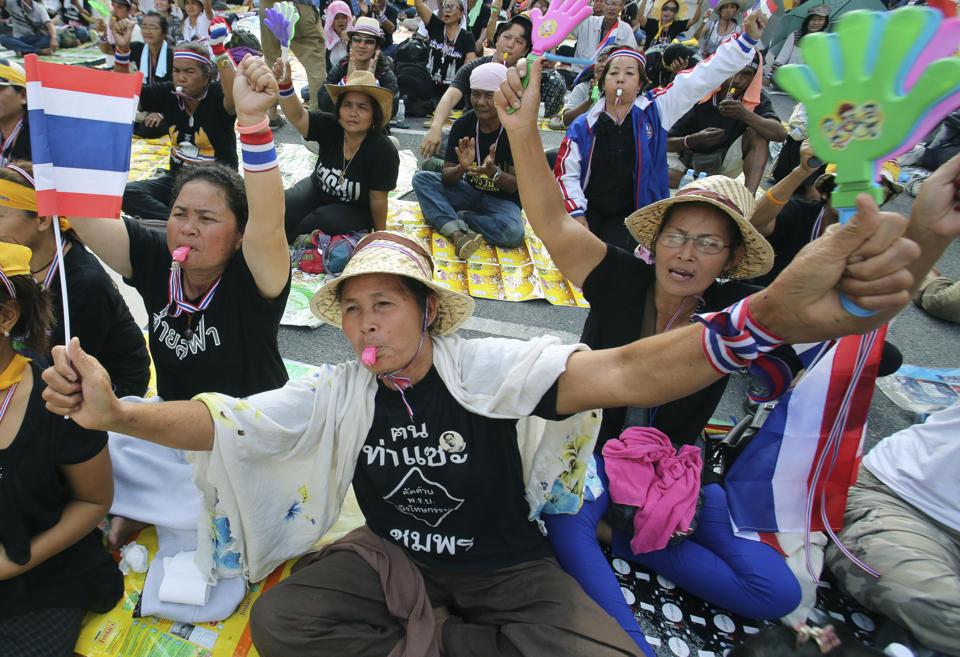 Đằng sau làn sóng biểu tình Thái Lan (phần 2): Mâu thuẫn trong phe đối lập