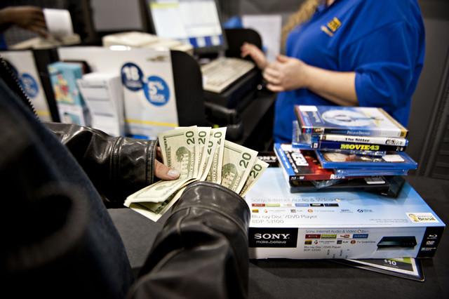 Doanh số bán lẻ của Mỹ trong ngày Lễ Tạ ơn và ngày Black Friday tăng 2,3%