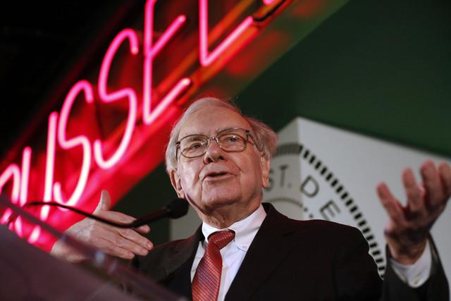 Bí quyết đánh bại thị trường của tỷ phú Warren Buffett