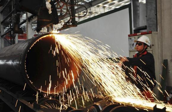 Sản lượng công nghiệp Trung Quốc trong tháng 11 tăng 10% và doanh số bán lẻ tăng 13,7%