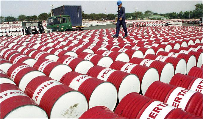 Giá dầu tăng do số liệu kinh tế lạc quan của EU