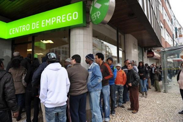 EU, IMF và ECB thông qua kế hoạch cứu trợ Bồ Đào Nha
