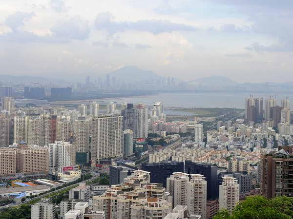 Trung Quốc: Đầu tư trực tiếp ra nước ngoài tăng mạnh