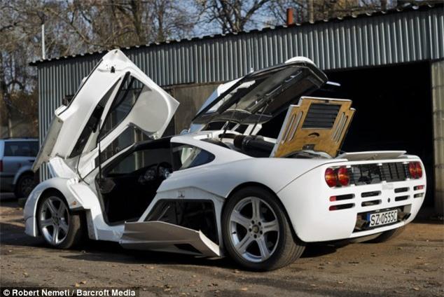 Tự chế siêu xe 8 triệu USD từ… phế liệu