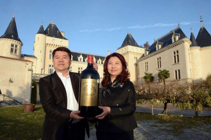 Tỉ phú Trung Quốc mua điền trang nho rượu vang mất tích khi đi thị sát