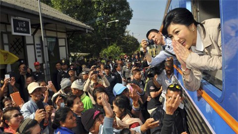 Biểu tình lớn tại Thái Lan ép Thủ tướng từ chức