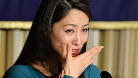 Hoa hậu quốc tế Ikumi Yoshimatsu: Một mình chống lại mafia