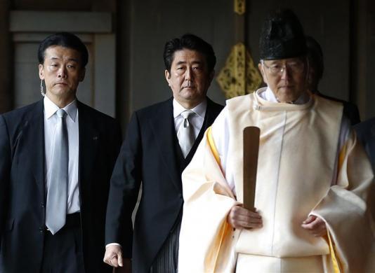Trung Quốc và Hàn Quốc phản ứng nhanh chóng với chuyến thăm đền Yasukuni