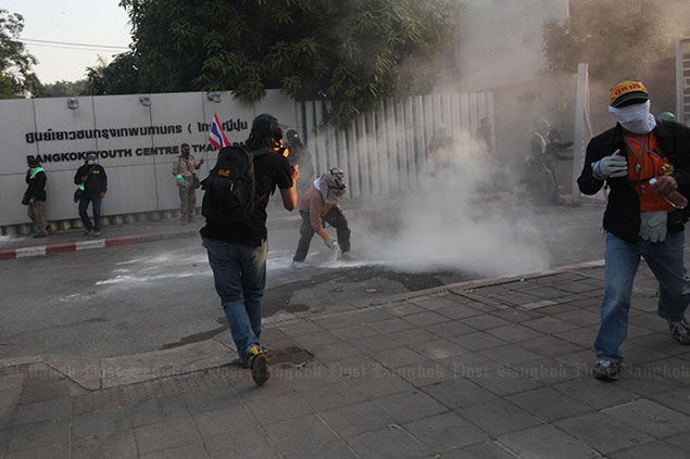 Thái Lan: Bùng nổ xung đột với người biểu tình muốn chặn bầu cử
