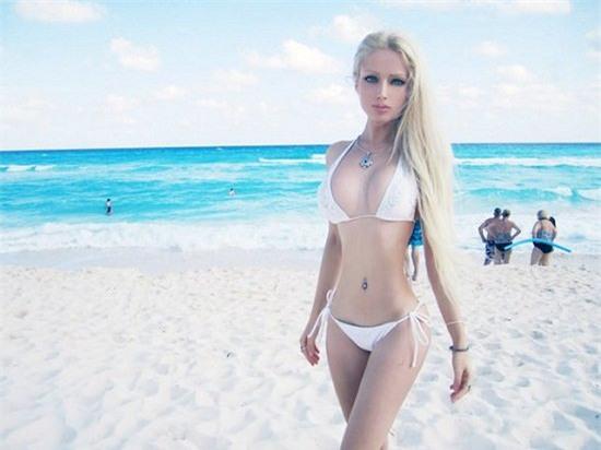 Búp bê Barbie béo và cuộc tranh luận về tiêu chuẩn cái đẹp