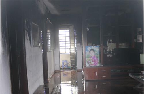 Cháy chung cư Thanh Xuân Bắc, một người nhập viện