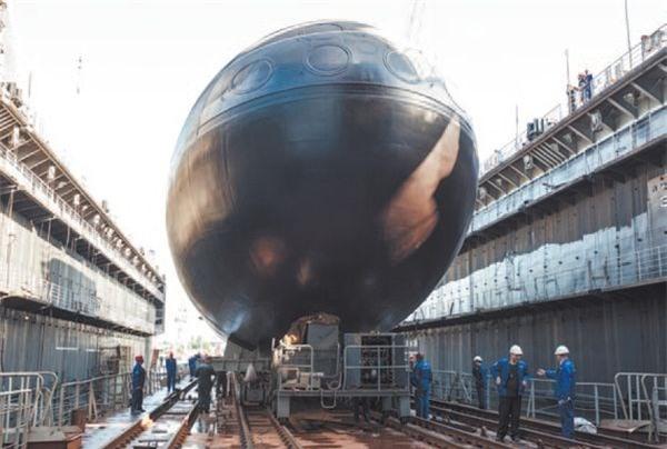 Hình ảnh tàu ngầm Kilo Hà Nội từ nhà máy về cảng Cam Ranh