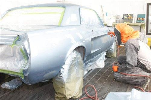 Tìm hiểu công nghệ sơn xe tự đổi màu