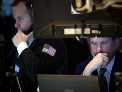 Chứng khoán Mỹ giảm trong ngày đầu tiên của năm mới