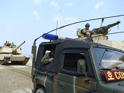 Hoa Kỳ gửi tăng và thiết giáp tới Hàn Quốc