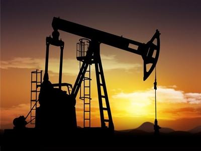 Giá dầu thô tăng do chứng khoán tăng