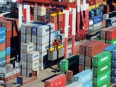 Thặng dư thương mại tháng 12 của Trung Quốc giảm thấp hơn dự đoán