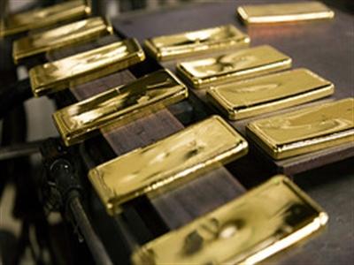 Giá vàng thế giới chạm đỉnh 4 tuần sau số liệu việc làm đáng thất vọng