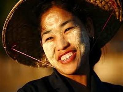 Myanmar: Độc đáo với những gương mặt Thanakha