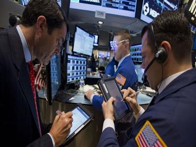 Chứng khoán Mỹ giảm sau báo cáo lợi nhuận gây thất vọng
