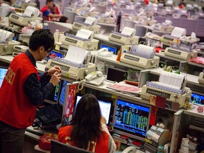 Chứng khoán Hong Kong tăng mạnh nhất 2 tháng