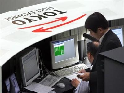Nikkei giảm mạnh nhất tuần do tâm lý phòng tránh rủi ro