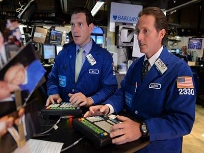 Chứng khoán Mỹ giảm giá vì cổ phiếu tập đoàn