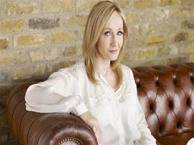 Tiếp tục 'giả trai' viết sách: Tác giả Harry Potter phản bội nữ giới?