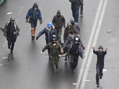 Người biểu tình tái chiếm quảng trường Kiev