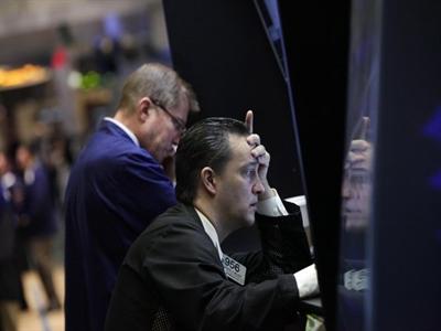Chứng khoán Mỹ rớt giá sau thông tin Fed